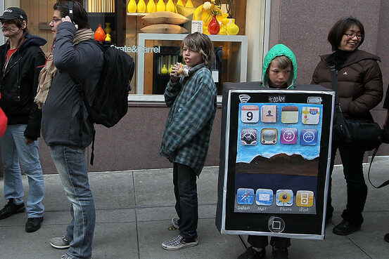 International iPad launch delayed due to high demand