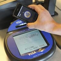 AT&T, Verizon to Replace VISA, Mastercard with Smartphones
