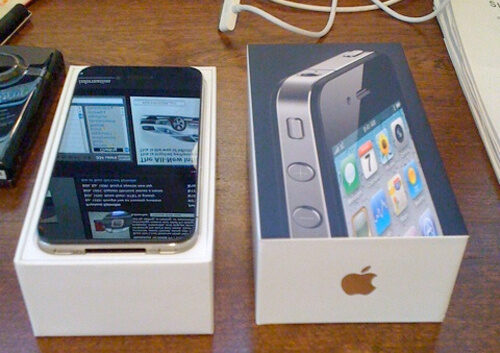 4 Million iPhone 4S Sold in its First Weekend!