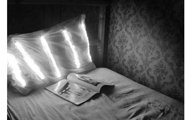 No more Bed Lamps – Luminube Pillows are Here